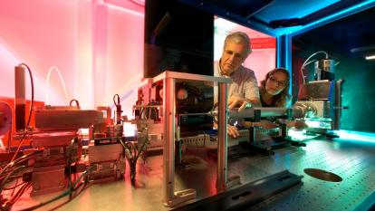 SSRL Scientist Piero Pianetta And Jaqueline Robleto Inspect SSRLs Newest X Ray Microscope At Beamline