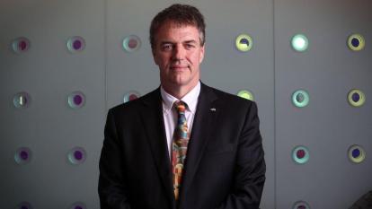 Dr. Nigel Smith